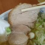 大沼食堂 - 中華そば¥550のチャーシュー(H28.7.21撮影)