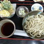 花音里 - もりうどん天ぷら付き(700円)