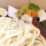 53935835 - もっちもちのうどんと野菜天ぷら
