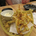 大阪屋台居酒屋 満マル - 私は初めてだったんですが来たことがあるメンバーが揚げ物を中心に料理を注文してくれました。