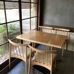 53942384 - テーブル席〜(^ー.゜)ノ