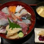53943678 - 海鮮丼 ¥980