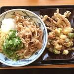 うどんの源楽 - 冷やし肉おろしうどん 海鮮天ぷら、げそ天