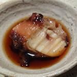 Sushihijikata - よく焚かれた蛸、とても柔らかくて お味が滲みています。