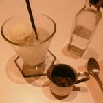 チアーズ - 未完成のコーヒーフロート