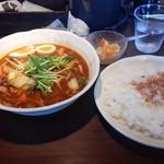 53948045 - 牛すじスープカレー(辛口) 840円 + 煮玉子(早ランチサービス)