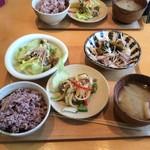 鹿屋アスリート食堂 - アス米+温豚しゃぶ塩昆布+レバー南蛮+焼き茄子とレタスのサラダ+さつま汁