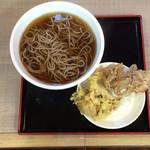53949128 - 舞茸天ぷらのお蕎麦 570円