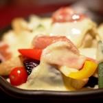 天満ロマンチック食堂 - チョリソーのチーズオーブン焼き