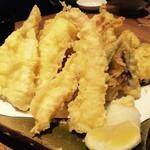 魚がし厨房 湊屋 - 天ぷらの盛り合わせ