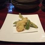猿のしっぽ - ★7 いんげん、アスパラと白身魚の天ぷら
