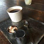 八六八ビル - コーヒー