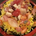 海鮮すなおや食堂 - 海鮮バラちらし寿司
