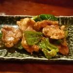 53956385 - 鶏ハラミニンニク醤油炒め