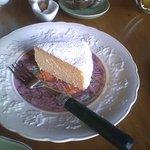 マダム ケイ - チーズケーキ(スフレタイプ) フワフワで口に入れると香りが濃厚