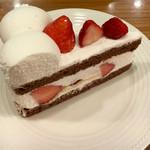 53966490 - ショートケーキ