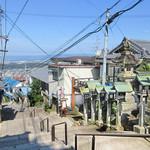 53968499 - 右が「おかげ楼」内の六根亭。ケーブル宝山駅すぐの生駒山