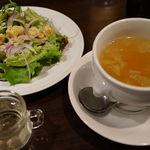 53969836 - スープとサラダ