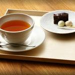 祇園NITI - ムレスナティーハウスの紅茶