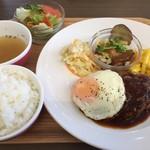 STEP - ハンバーグ定食