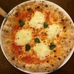 石窯ピザ Manten - マルゲリータ600円