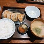 53982029 - 餃子定食 840円