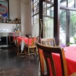 トラットリア ラ・パタータ - 1階の客席