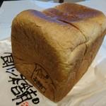 53985089 - 食パン