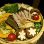 個室居酒屋 吟味 - お鍋       金目鯛と贅沢鮮魚のせいろ蒸鍋-調理前