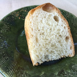 皿の上の自然il Gastro Sara - 自家製のパンは、お代わり自由