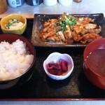 たぬきや - 豚キムチ定食