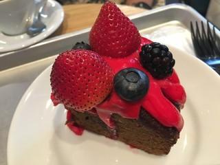 GORILLA COFFEE 渋谷店 - ブラックベリーコーヒーケーキ