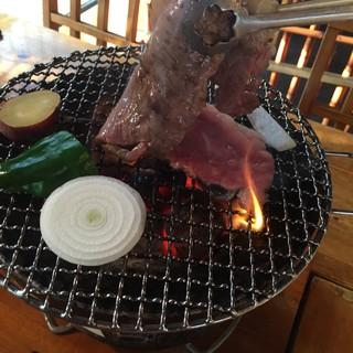 炭火焼肉 食神 苑