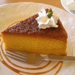カフェ ドルフィン - カフェ ドルフィン:かぼちゃのケーキ