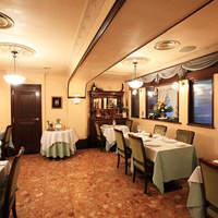 ラ・シャンス - ご会食、各種パーティー、結婚式2次会等の貸切りも承っております。誕生日や記念日にご利用下さい。