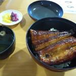 舞阪マルマ幸福丸 - 丼ぶりからあふれるうなぎ