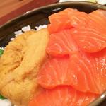 函館うに むらかみ - うにとサーモン丼