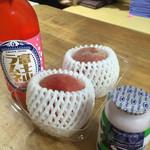 山中温泉紅富士の湯 - 料理写真:富士山ラムネのイチゴ味、ブルーベリー味の飲むヨーグルト、桃を購入♪( ´▽`)