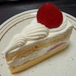 メルシー - 料理写真:いちごのショートケーキ(415円)