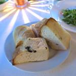 トミガヤ テラス - 自家製パン