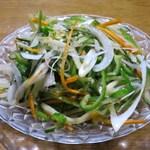 馬記 蒙古肉餅 - 老虎菜(パクチー、ピーマンとネギ和え)