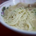 博多大砲ラーメン - 麺