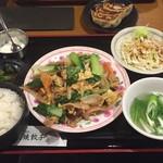 日本橋焼餃子 - ボリューム多し