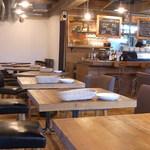 TONDAMACHI CAFE - テーブル10卓 カウンター6席くらい