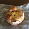 バンブス - 料理写真:パン・ド・カンパーニュ クリームチーズ&ハチミツ