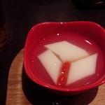 上海湯包小館 - 杏仁豆腐