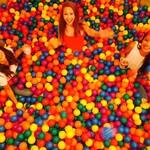 BALL POOL BAR DIVE -