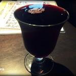 フラワー&ドラゴン - なみなみワイン(赤) 380円