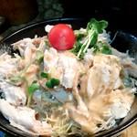 とりや - ほぐしサラダ(蒸し鶏)480円
