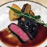 カーブドッチ - コース料理(牛ヒレ肉のステーキ 赤ワインソース)(2016年7月)